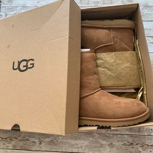 NWT UGG classic boots chestnut